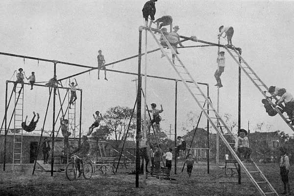 The Jungle Gym is a newsletter for knowledge workers who want to think clearer and work smarter.